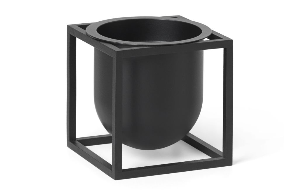 https://res.cloudinary.com/clippings/image/upload/t_big/dpr_auto,f_auto,w_auto/v1559828867/products/kubus-flowerpot-vase-10cm-set-of-4-by-lassen-s%C3%B8ren-lassen-sarah-abbondio-clippings-11221416.jpg