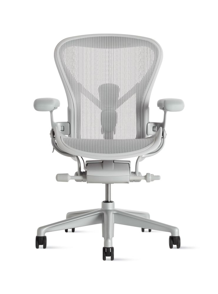 https://res.cloudinary.com/clippings/image/upload/t_big/dpr_auto,f_auto,w_auto/v1560716639/products/aeron-task-chair-herman-miller-bill-stumpf-don-chadwick-clippings-11230483.jpg