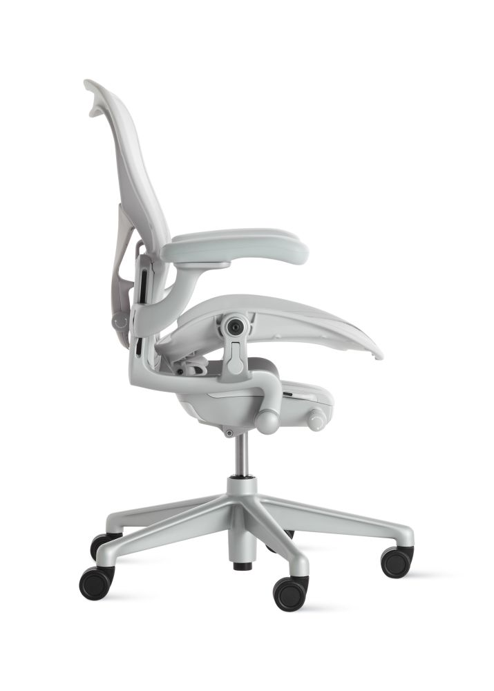 https://res.cloudinary.com/clippings/image/upload/t_big/dpr_auto,f_auto,w_auto/v1560716649/products/aeron-task-chair-herman-miller-bill-stumpf-don-chadwick-clippings-11230484.jpg