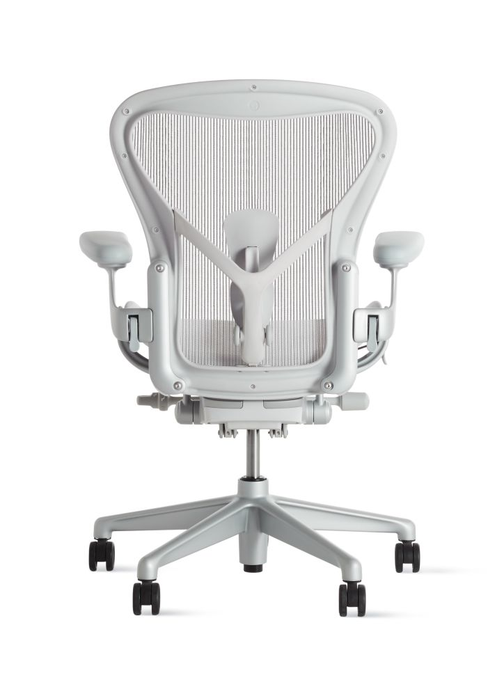 https://res.cloudinary.com/clippings/image/upload/t_big/dpr_auto,f_auto,w_auto/v1560716666/products/aeron-task-chair-herman-miller-bill-stumpf-don-chadwick-clippings-11230485.jpg