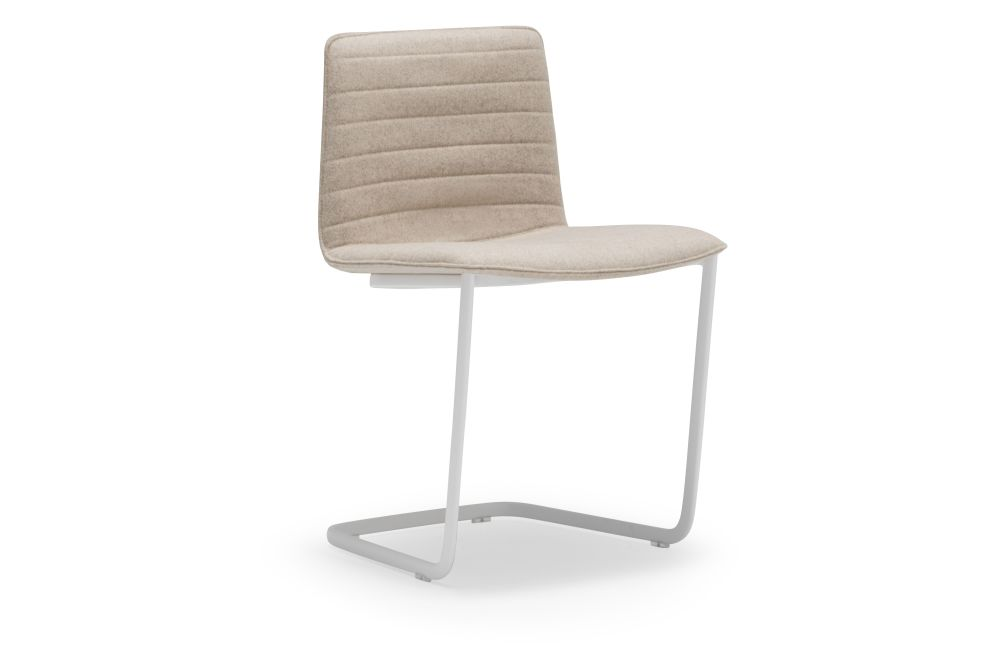 https://res.cloudinary.com/clippings/image/upload/t_big/dpr_auto,f_auto,w_auto/v1560939301/products/flex-upholstered-chair-si1359-thermo-polymer-finish-6000-steel-finish-crb-andreu-world-jacquard-one-andreu-world-piergiorgio-cazzaniga-clippings-11231957.jpg