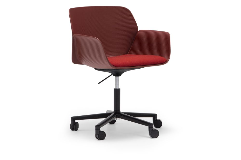Nuez 5-Star Base Armchair with Castors by Andreu World