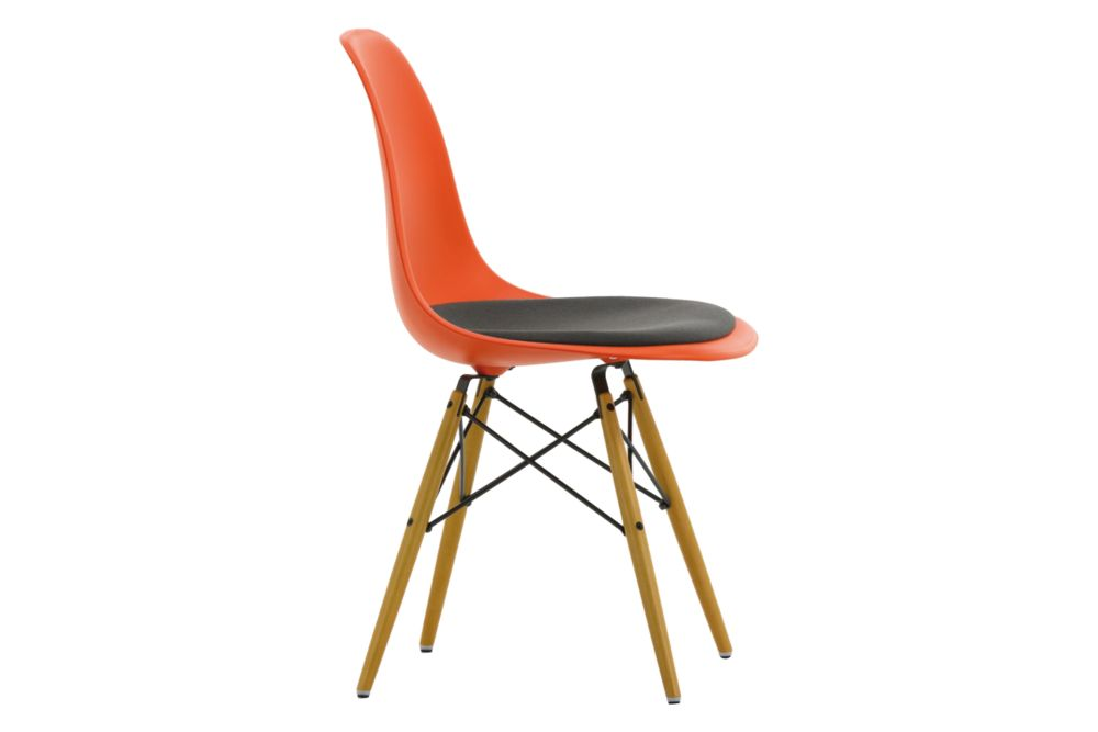 https://res.cloudinary.com/clippings/image/upload/t_big/dpr_auto,f_auto,w_auto/v1562252449/products/dsw-side-chair-seat-upholstered-vitra-charles-ray-eames-clippings-11252436.jpg