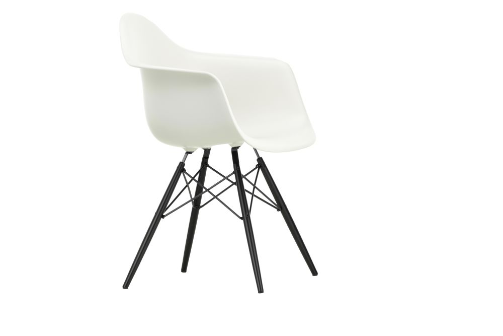 https://res.cloudinary.com/clippings/image/upload/t_big/dpr_auto,f_auto,w_auto/v1562581940/products/daw-armchair-vitra-charles-ray-eames-clippings-11255692.jpg