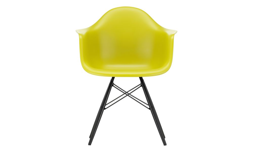 https://res.cloudinary.com/clippings/image/upload/t_big/dpr_auto,f_auto,w_auto/v1562581960/products/daw-armchair-vitra-charles-ray-eames-clippings-11255702.jpg