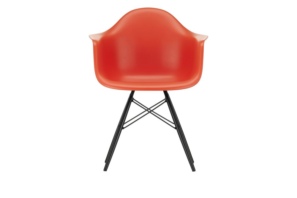 https://res.cloudinary.com/clippings/image/upload/t_big/dpr_auto,f_auto,w_auto/v1562582071/products/daw-armchair-vitra-charles-ray-eames-clippings-11256127.jpg
