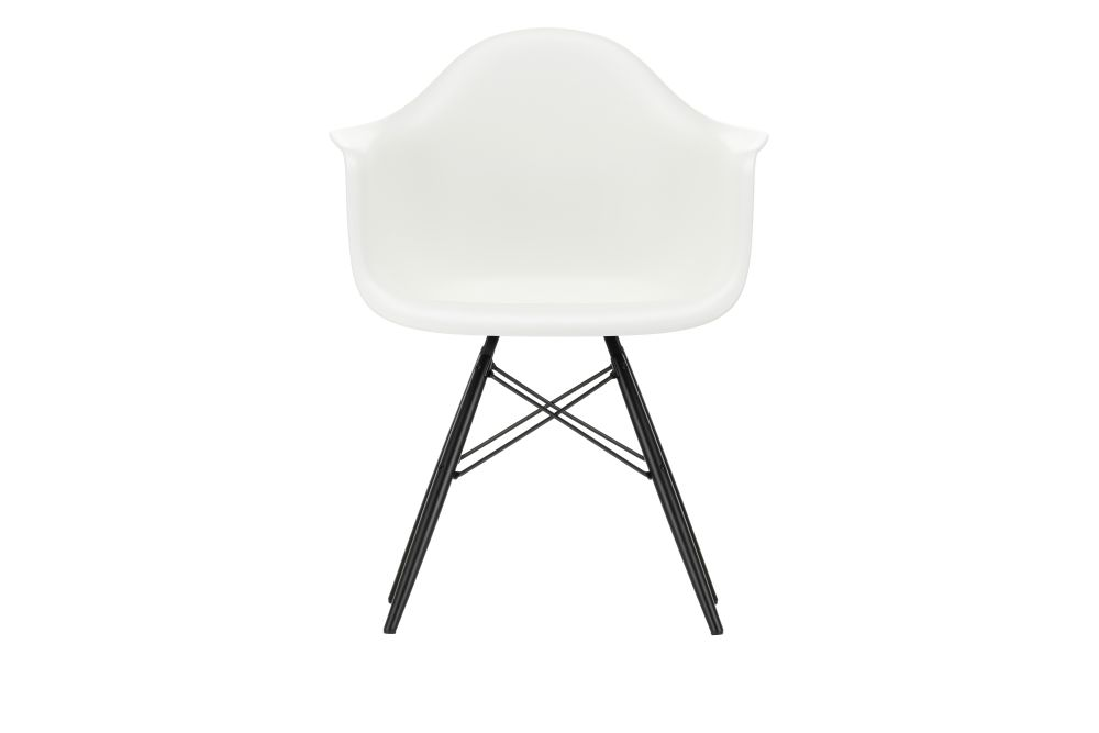 https://res.cloudinary.com/clippings/image/upload/t_big/dpr_auto,f_auto,w_auto/v1562582094/products/daw-armchair-vitra-charles-ray-eames-clippings-11256129.jpg