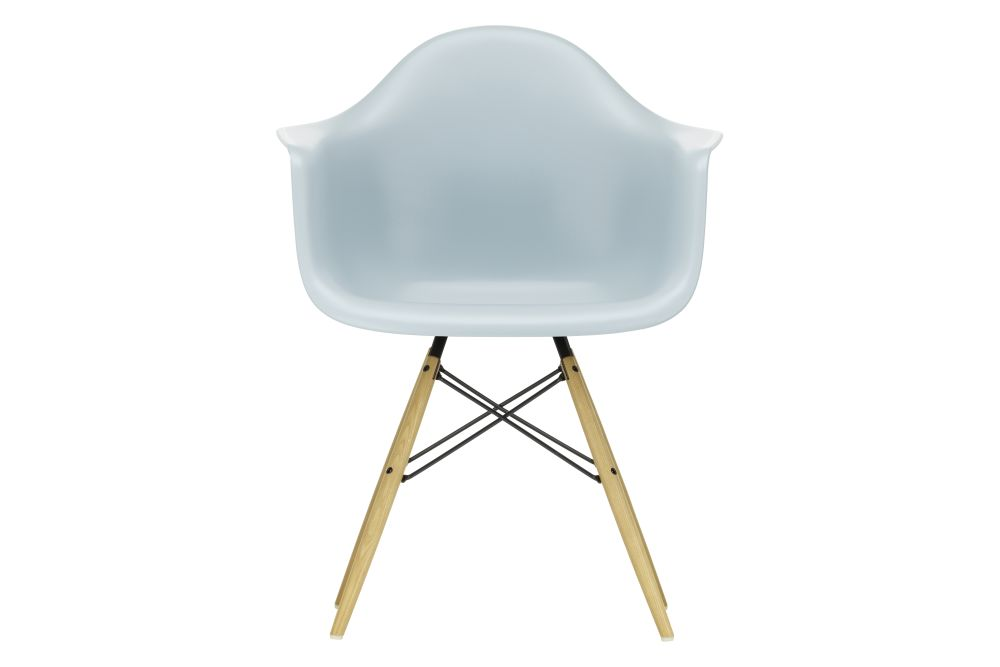 https://res.cloudinary.com/clippings/image/upload/t_big/dpr_auto,f_auto,w_auto/v1562582126/products/daw-armchair-vitra-charles-ray-eames-clippings-11256131.jpg