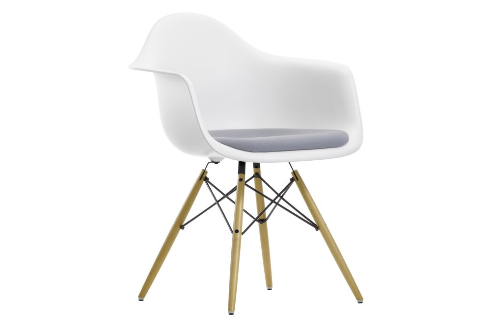 https://res.cloudinary.com/clippings/image/upload/t_big/dpr_auto,f_auto,w_auto/v1562594617/products/daw-armchair-seat-upholstered-vitra-charles-ray-eames-clippings-11258104.jpg