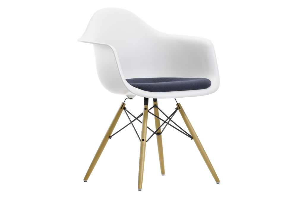https://res.cloudinary.com/clippings/image/upload/t_big/dpr_auto,f_auto,w_auto/v1562594653/products/daw-armchair-seat-upholstered-vitra-charles-ray-eames-clippings-11258105.jpg