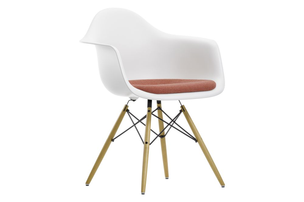 https://res.cloudinary.com/clippings/image/upload/t_big/dpr_auto,f_auto,w_auto/v1562594662/products/daw-armchair-seat-upholstered-vitra-charles-ray-eames-clippings-11258107.jpg