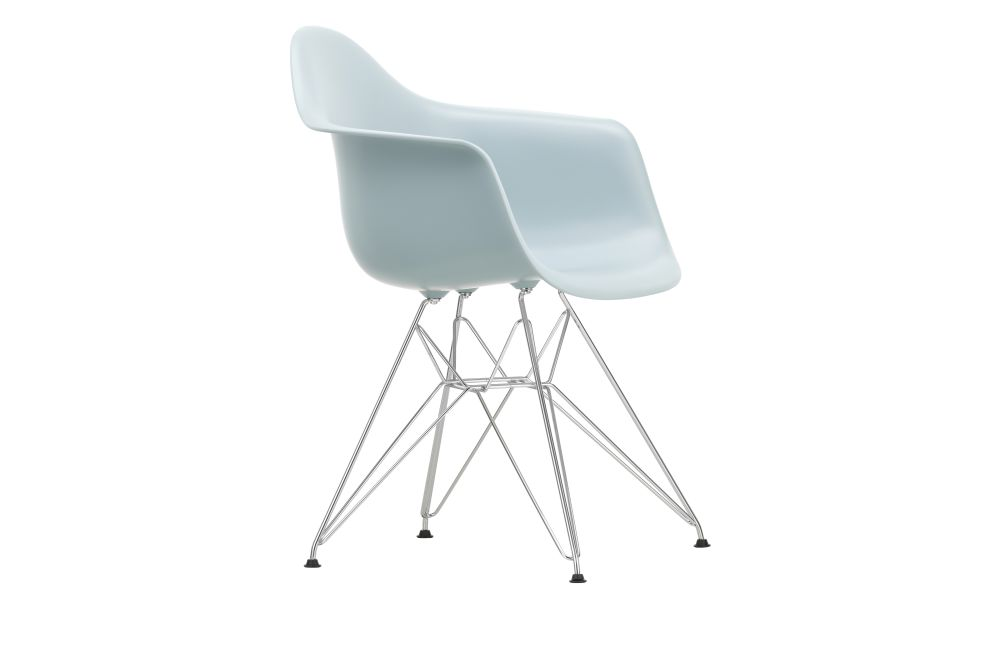 https://res.cloudinary.com/clippings/image/upload/t_big/dpr_auto,f_auto,w_auto/v1562659986/products/dar-armchair-vitra-charles-ray-eames-clippings-11258336.jpg