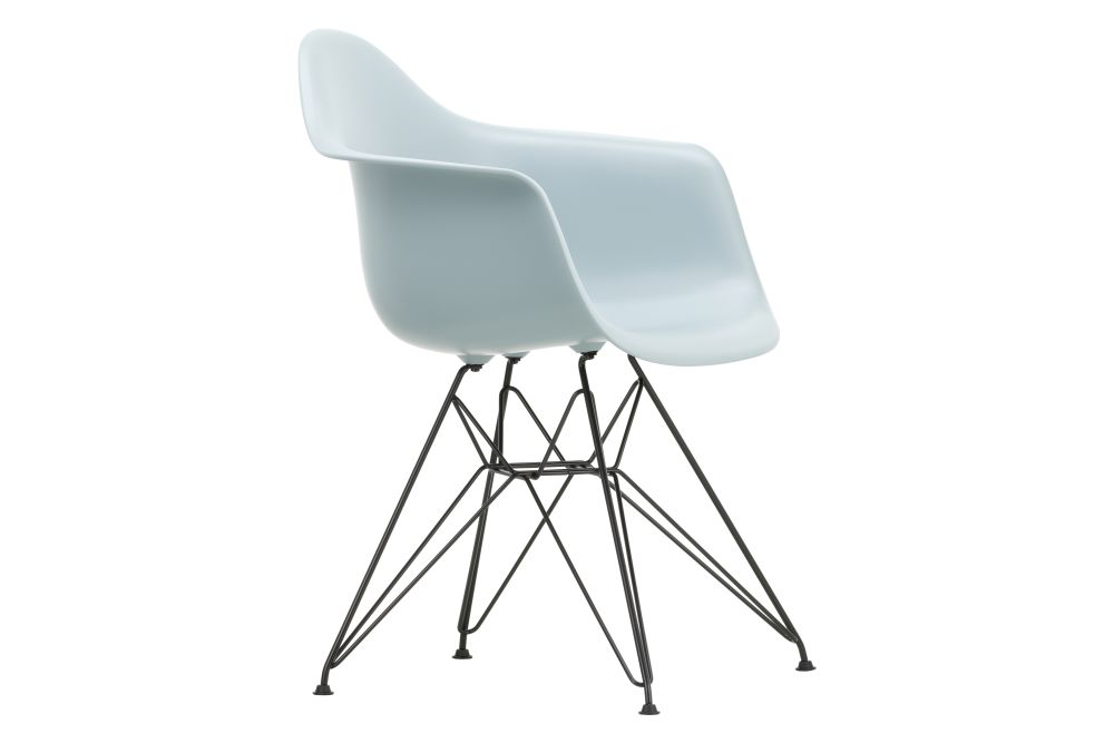 https://res.cloudinary.com/clippings/image/upload/t_big/dpr_auto,f_auto,w_auto/v1562660222/products/dar-armchair-vitra-charles-ray-eames-clippings-11258348.jpg