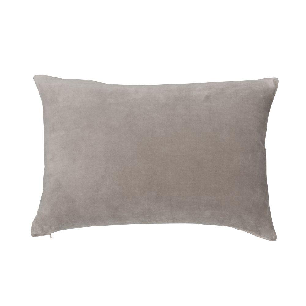 https://res.cloudinary.com/clippings/image/upload/t_big/dpr_auto,f_auto,w_auto/v1562679621/products/velvet-linen-cushion-nude-niki-jones-niki-jones-clippings-11258520.jpg