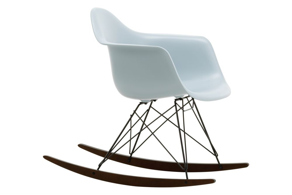 https://res.cloudinary.com/clippings/image/upload/t_big/dpr_auto,f_auto,w_auto/v1562684769/products/rar-rocking-armchair-vitra-charles-ray-eames-clippings-11259008.jpg