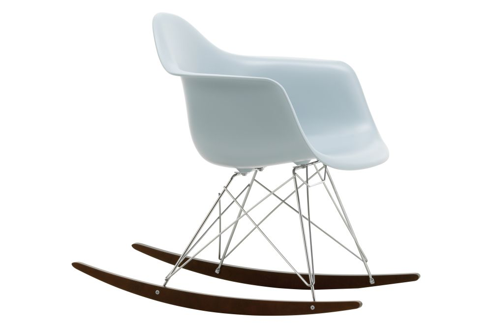 https://res.cloudinary.com/clippings/image/upload/t_big/dpr_auto,f_auto,w_auto/v1562684776/products/rar-rocking-armchair-vitra-charles-ray-eames-clippings-11259012.jpg
