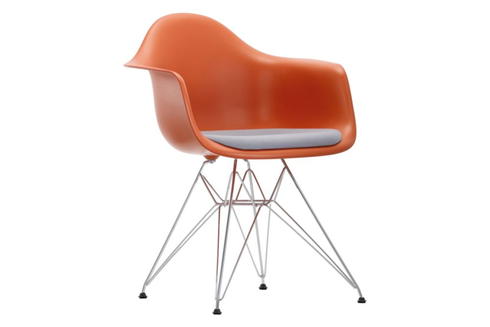 https://res.cloudinary.com/clippings/image/upload/t_big/dpr_auto,f_auto,w_auto/v1562747784/products/dar-armchair-seat-upholstered-vitra-charles-ray-eames-clippings-11259333.jpg