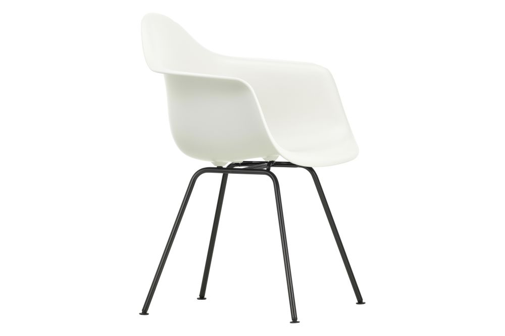 https://res.cloudinary.com/clippings/image/upload/t_big/dpr_auto,f_auto,w_auto/v1562761296/products/dax-armchair-new-height-vitra-charles-ray-eames-clippings-11259579.jpg