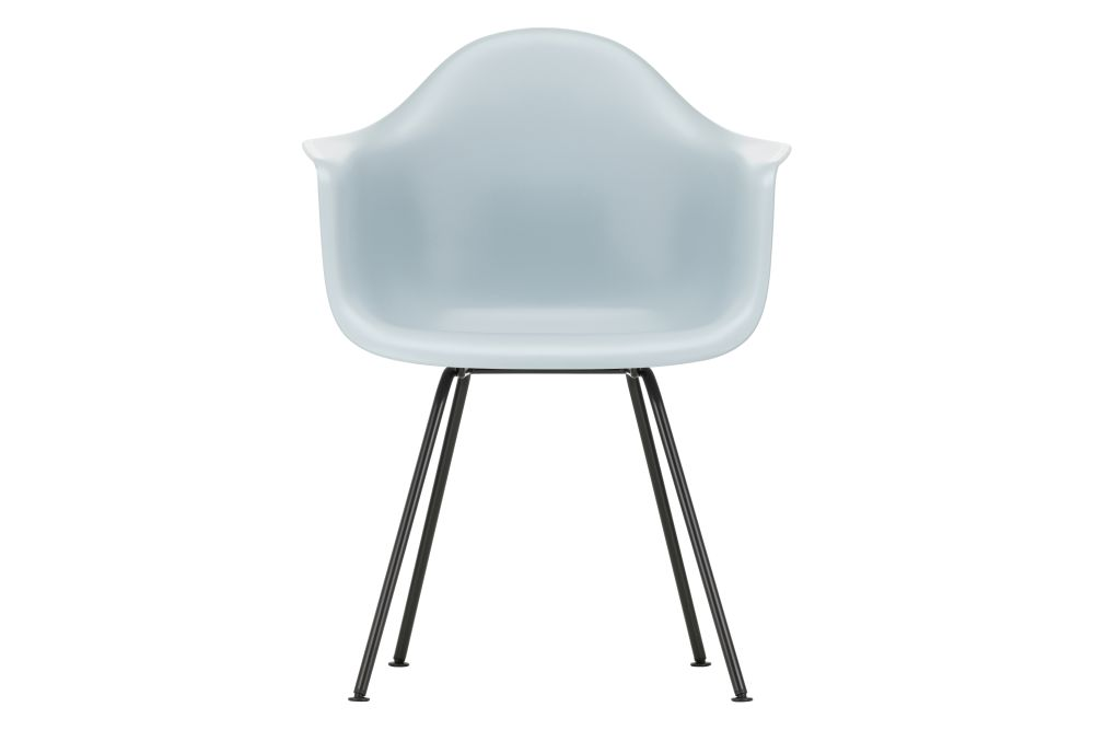 https://res.cloudinary.com/clippings/image/upload/t_big/dpr_auto,f_auto,w_auto/v1562761383/products/dax-armchair-new-height-vitra-charles-ray-eames-clippings-11259584.jpg