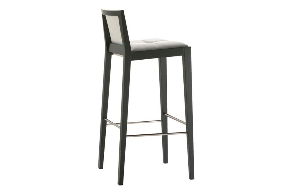 https://res.cloudinary.com/clippings/image/upload/t_big/dpr_auto,f_auto,w_auto/v1562927181/products/manila-bar-stool-with-upholstered-seat-and-backrest-andreu-world-lievore-altherr-molina-clippings-11261054.jpg