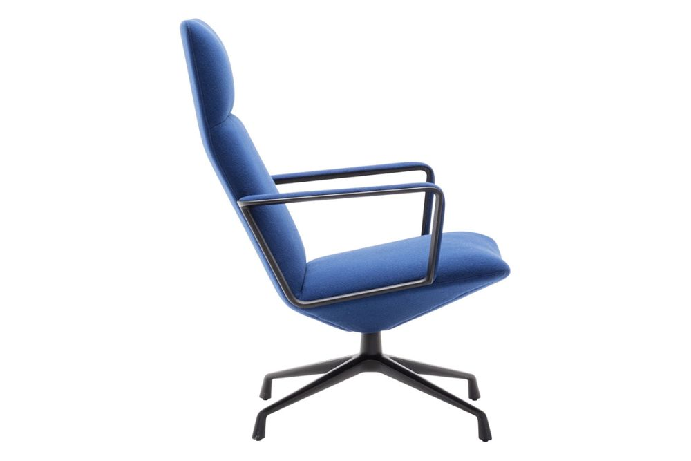 https://res.cloudinary.com/clippings/image/upload/t_big/dpr_auto,f_auto,w_auto/v1562936667/products/capri-4-star-base-lounge-chair-with-arms-and-upholstered-shell-andreu-world-piergiorgio-cazzaniga-clippings-11261221.jpg