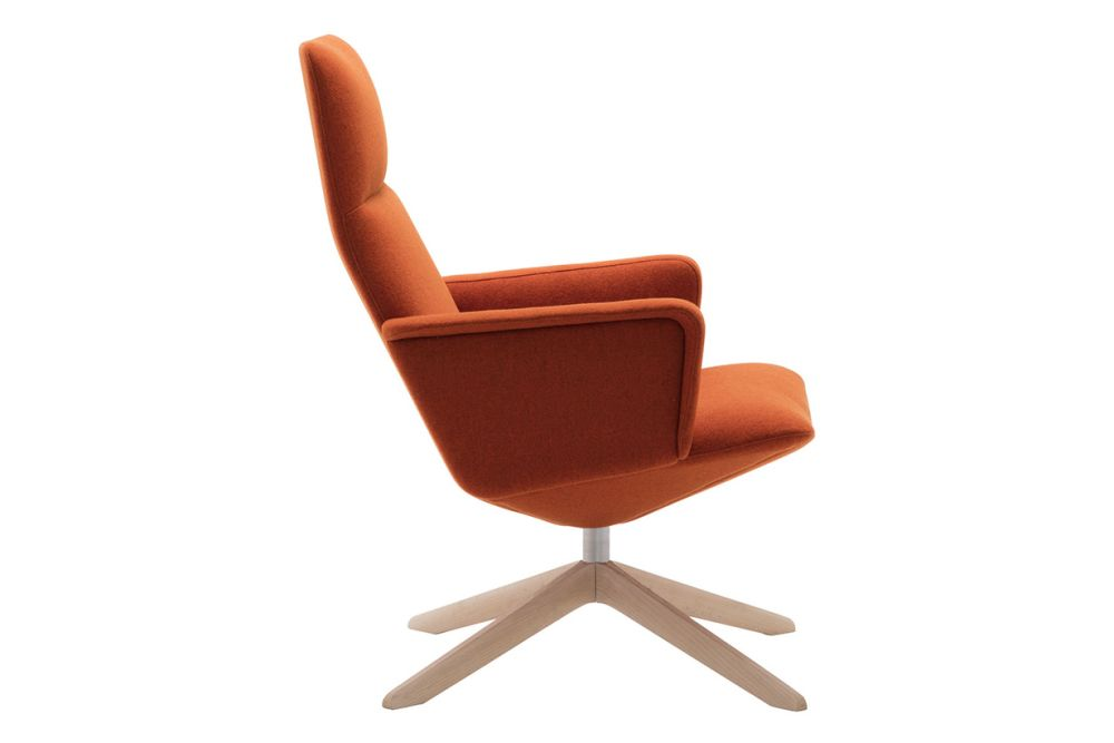 https://res.cloudinary.com/clippings/image/upload/t_big/dpr_auto,f_auto,w_auto/v1562938313/products/capri-wood-swivel-base-lounge-chair-upholstered-shell-and-arm-andreu-world-piergiorgio-cazzaniga-clippings-11261290.jpg