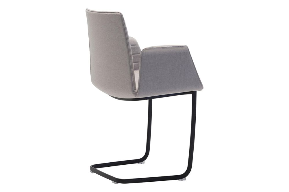 https://res.cloudinary.com/clippings/image/upload/t_big/dpr_auto,f_auto,w_auto/v1563180902/products/flex-cantilever-base-armchair-with-fully-upholstered-shell-pad-andreu-world-piergiorgio-cazzaniga-clippings-11261667.jpg