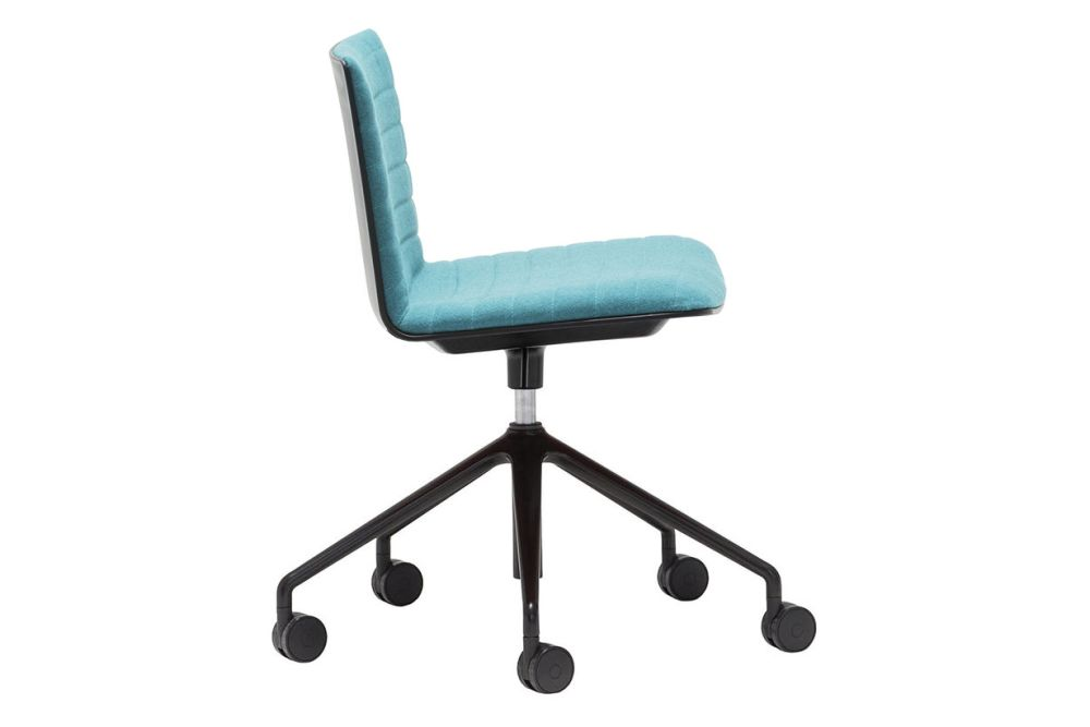 https://res.cloudinary.com/clippings/image/upload/t_big/dpr_auto,f_auto,w_auto/v1563260939/products/flex-5-star-base-chair-with-upholstered-shell-pad-and-castors-andreu-world-piergiorgio-cazzaniga-clippings-11264372.jpg