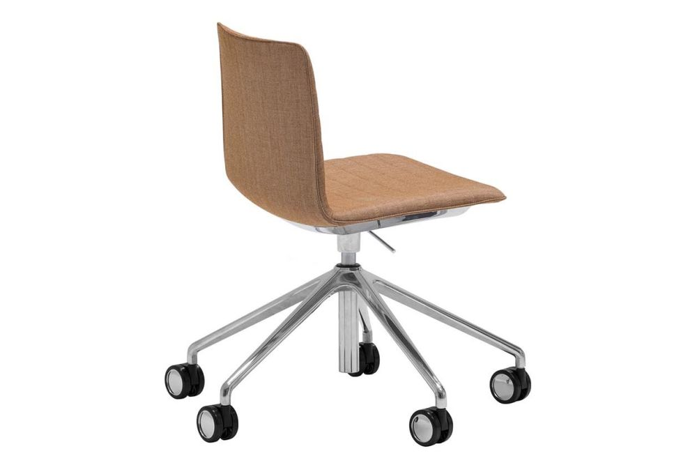 https://res.cloudinary.com/clippings/image/upload/t_big/dpr_auto,f_auto,w_auto/v1563261669/products/flex-5-star-base-chair-with-fully-upholstered-shell-and-castors-andreu-world-piergiorgio-cazzaniga-clippings-11264422.jpg
