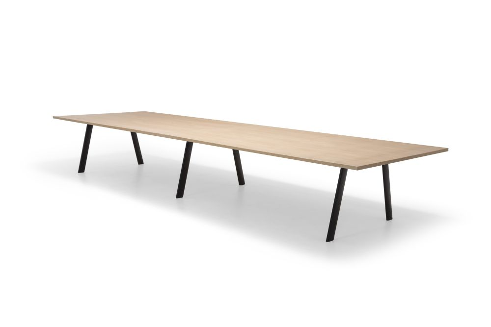 https://res.cloudinary.com/clippings/image/upload/t_big/dpr_auto,f_auto,w_auto/v1563875454/products/radial-rectangular-conference-table-with-straight-edge-andreu-world-estudio-andreu-clippings-11269256.jpg