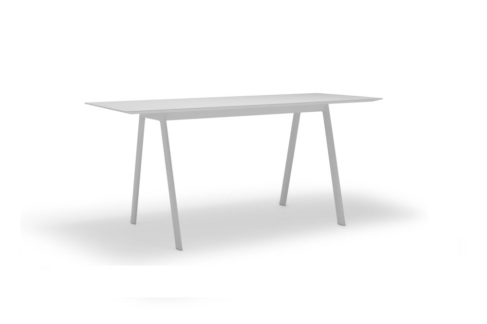 https://res.cloudinary.com/clippings/image/upload/t_big/dpr_auto,f_auto,w_auto/v1563877198/products/radial-bench-with-beveled-edge-andreu-world-estudio-andreu-clippings-11269274.jpg