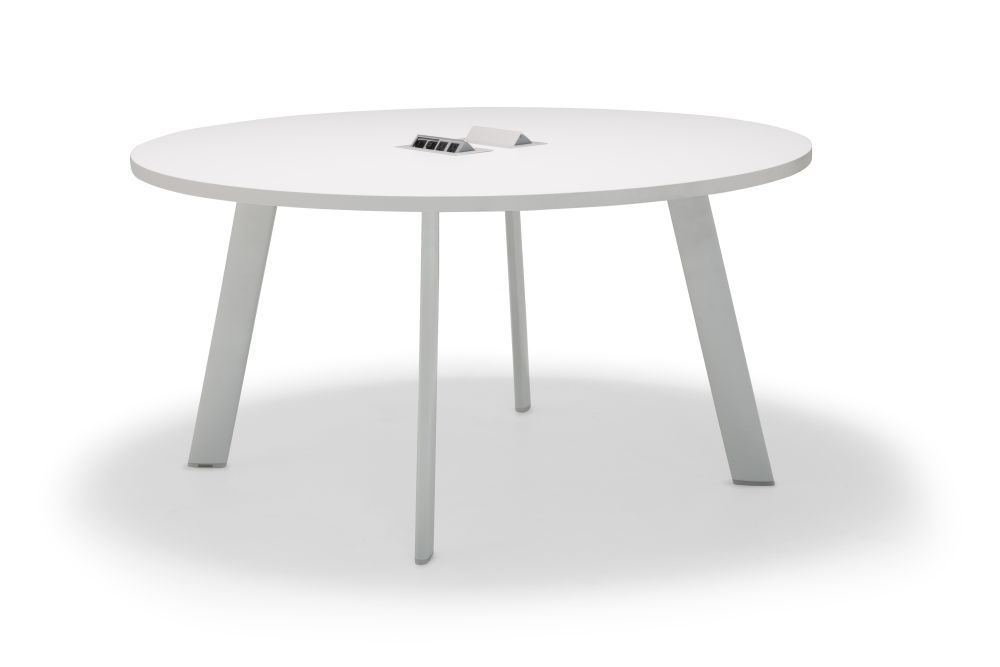 https://res.cloudinary.com/clippings/image/upload/t_big/dpr_auto,f_auto,w_auto/v1563878870/products/radial-round-conference-table-with-straight-edge-andreu-world-estudio-andreu-clippings-11269312.jpg