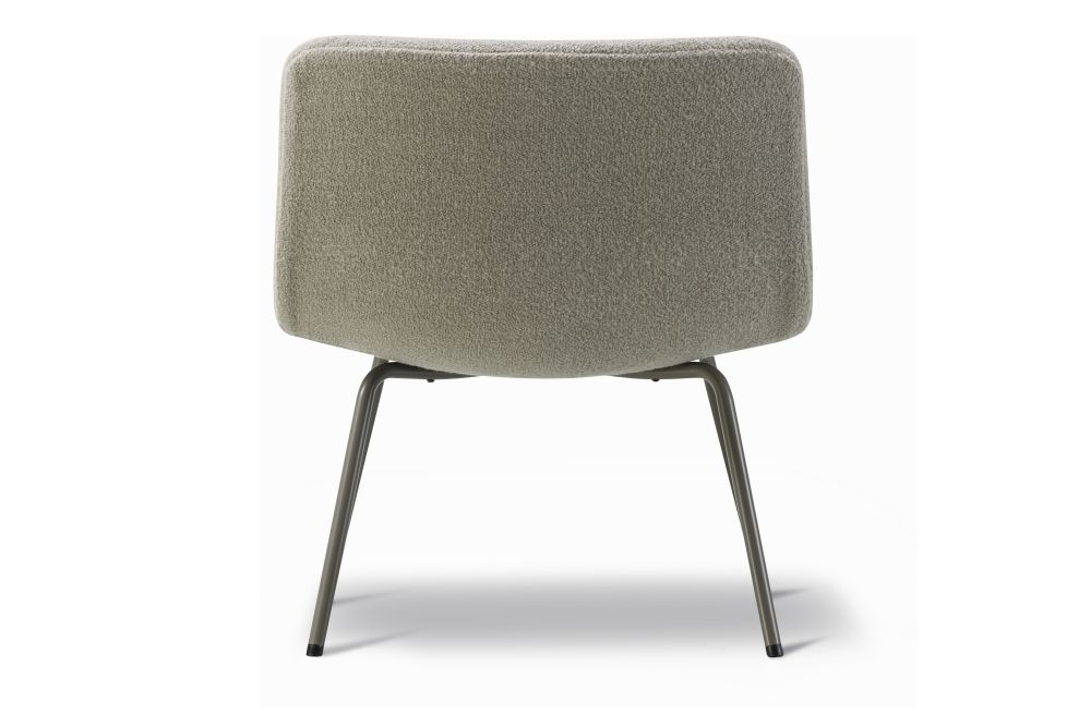 https://res.cloudinary.com/clippings/image/upload/t_big/dpr_auto,f_auto,w_auto/v1564154600/products/pato-lounge-4-leg-tube-base-fully-upholstered-fredericia-wellingludvik-clippings-11270654.jpg