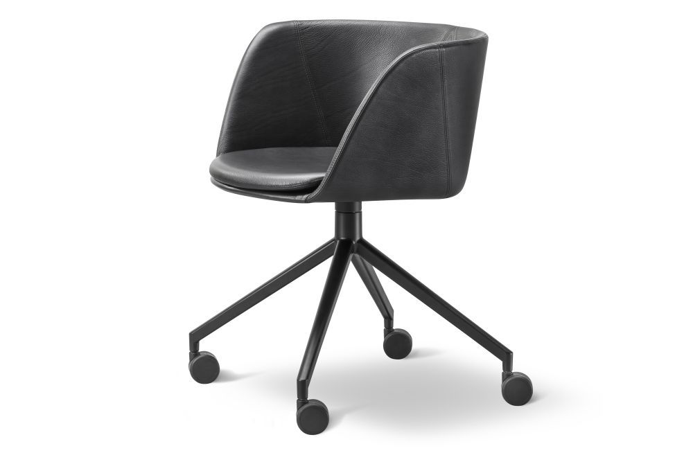 https://res.cloudinary.com/clippings/image/upload/t_big/dpr_auto,f_auto,w_auto/v1564396516/products/verve-swivel-castors-2018-fully-upholstered-fredericia-geckeler-michels-clippings-11271073.jpg