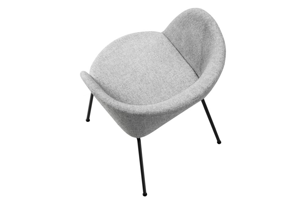 https://res.cloudinary.com/clippings/image/upload/t_big/dpr_auto,f_auto,w_auto/v1564406987/products/verve-4-leg-2018-fully-upholstered-fredericia-geckeler-michels-clippings-11271173.jpg