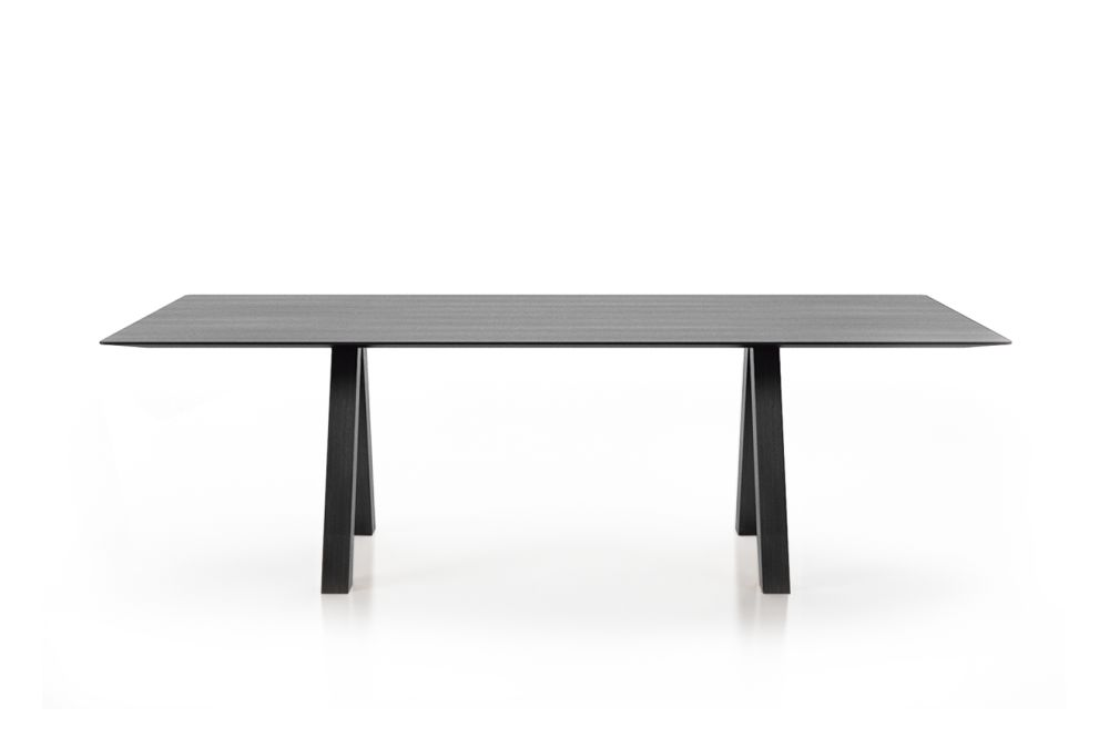 https://res.cloudinary.com/clippings/image/upload/t_big/dpr_auto,f_auto,w_auto/v1564557821/products/trestle-simple-table-viccarbe-john-pawson-clippings-11273660.jpg
