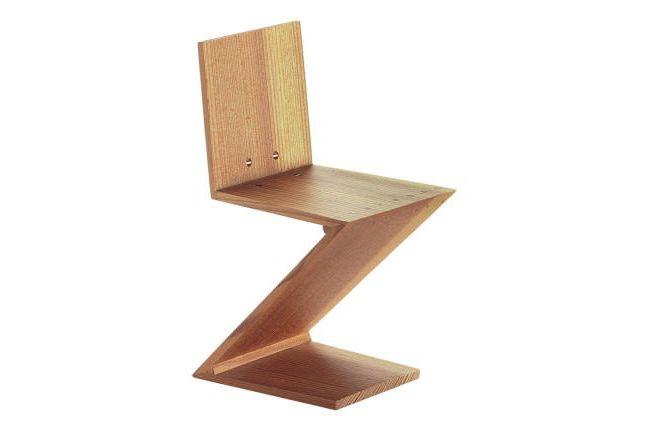 https://res.cloudinary.com/clippings/image/upload/t_big/dpr_auto,f_auto,w_auto/v1565012969/products/miniature-zig-zag-stoel-vitra-rietveld-clippings-11277760.jpg
