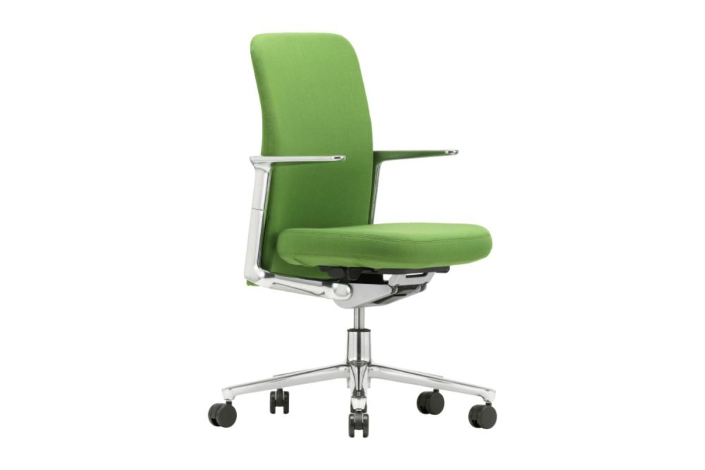 https://res.cloudinary.com/clippings/image/upload/t_big/dpr_auto,f_auto,w_auto/v1565016832/products/pacific-meeting-chair-with-low-backrest-and-height-adjustable-armrests-vitra-edward-barber-jay-osgerby-clippings-11277852.jpg
