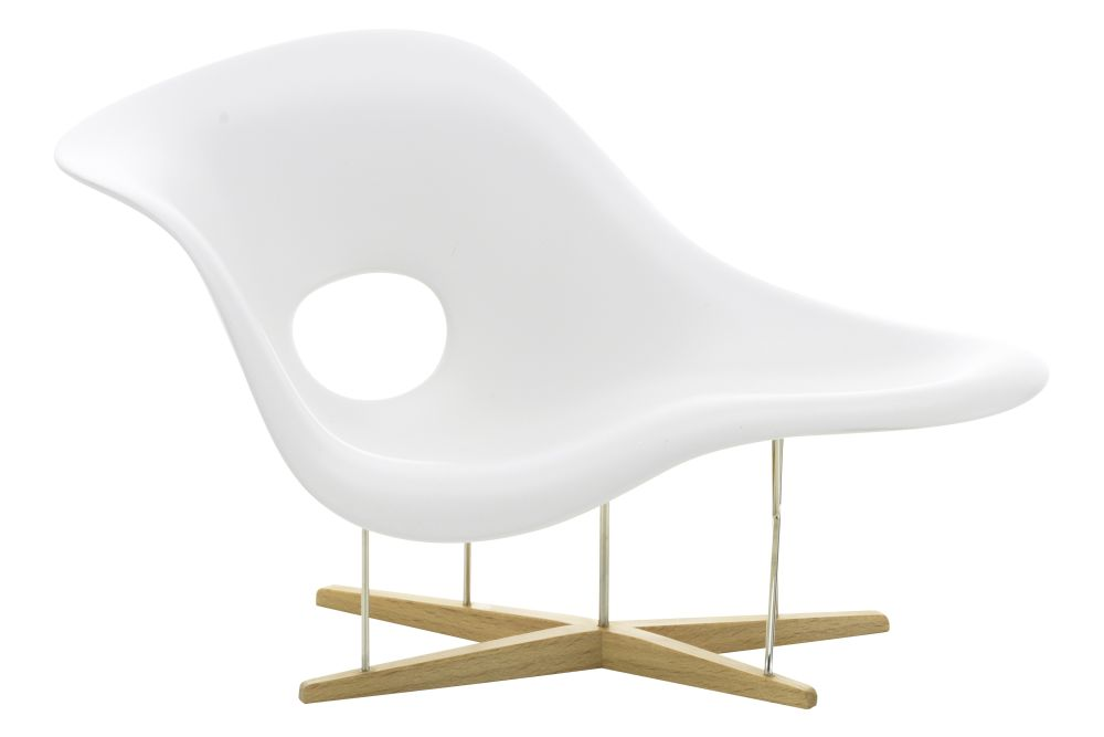 https://res.cloudinary.com/clippings/image/upload/t_big/dpr_auto,f_auto,w_auto/v1565081889/products/miniature-la-chaise-vitra-eames-clippings-11278632.jpg
