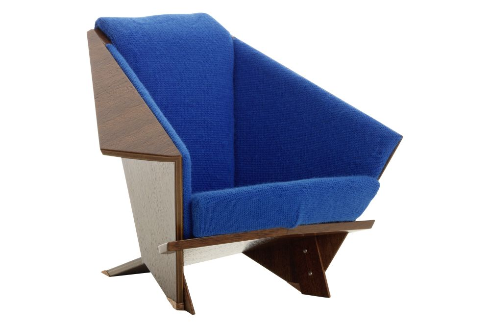 https://res.cloudinary.com/clippings/image/upload/t_big/dpr_auto,f_auto,w_auto/v1565082003/products/miniature-taliesin-west-armchair-vitra-wright-clippings-11278641.jpg