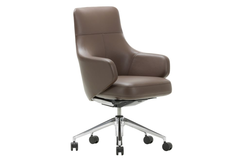 https://res.cloudinary.com/clippings/image/upload/t_big/dpr_auto,f_auto,w_auto/v1565089909/products/grand-executive-lowback-leather-premium-75-camel-02-castors-hard-vitra-antonio-citterio-clippings-9088221.jpg
