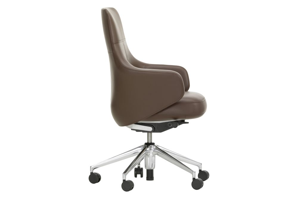 https://res.cloudinary.com/clippings/image/upload/t_big/dpr_auto,f_auto,w_auto/v1565091164/products/grand-executive-lowback-vitra-antonio-citterio-clippings-9088251.jpg
