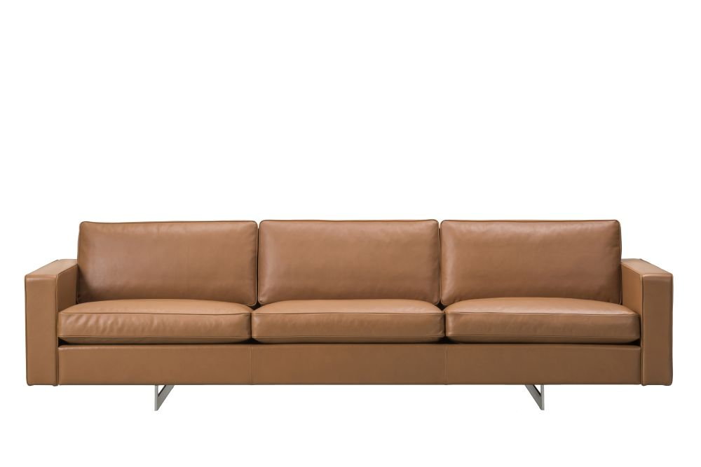 https://res.cloudinary.com/clippings/image/upload/t_big/dpr_auto,f_auto,w_auto/v1565103603/products/risom-65-sofa-3-seater-metal-base-fredericia-jens-risom-clippings-11279073.jpg