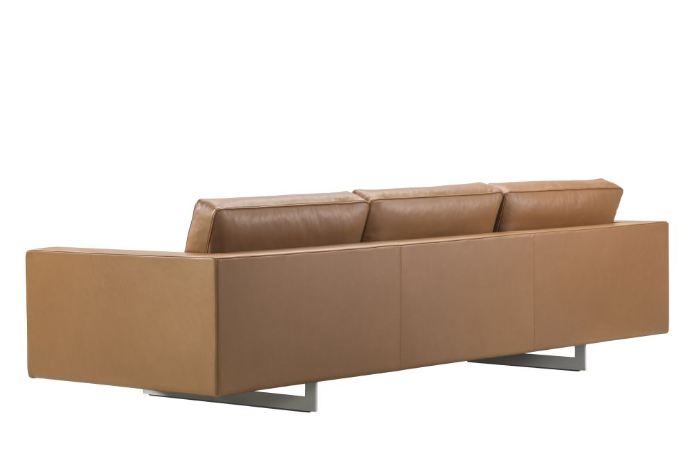 https://res.cloudinary.com/clippings/image/upload/t_big/dpr_auto,f_auto,w_auto/v1565103607/products/risom-65-sofa-3-seater-metal-base-fredericia-jens-risom-clippings-11279075.jpg