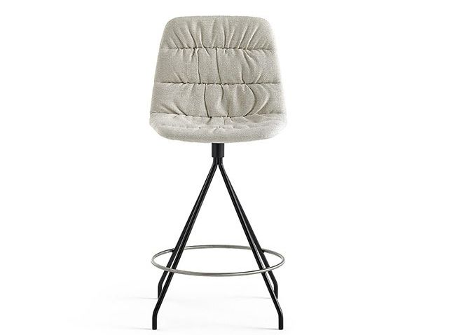 https://res.cloudinary.com/clippings/image/upload/t_big/dpr_auto,f_auto,w_auto/v1565172601/products/maarten-counter-stool-with-swivel-base-pricegrp-g2-black-ral-9005-soft-viccarbe-v%C3%ADctor-carrasco-clippings-11273642.jpg