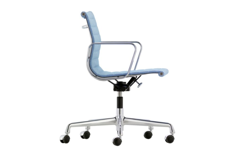 https://res.cloudinary.com/clippings/image/upload/t_big/dpr_auto,f_auto,w_auto/v1565272029/products/aluminium-ea-118-chair-with-medium-high-backrest-and-swivel-base-vitra-charles-ray-eames-clippings-11281542.jpg