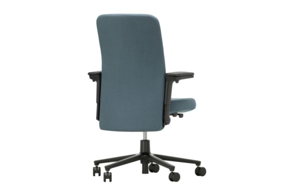 https://res.cloudinary.com/clippings/image/upload/t_big/dpr_auto,f_auto,w_auto/v1565339171/products/pacific-meeting-chair-with-medium-backrest-and-3d-armrests-vitra-edward-barber-jay-osgerby-clippings-11281932.jpg