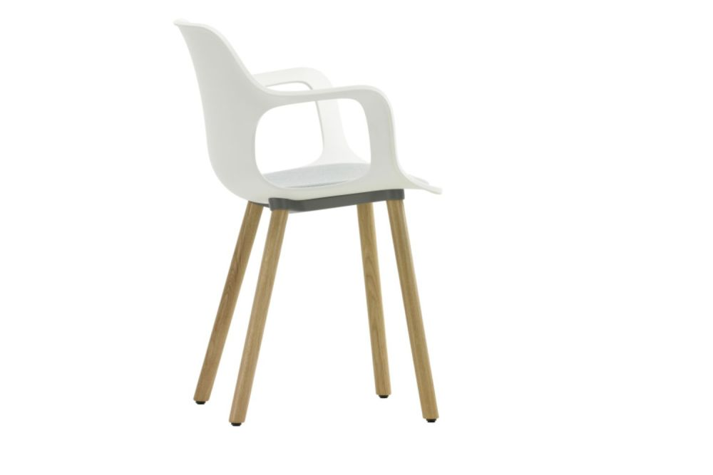 https://res.cloudinary.com/clippings/image/upload/t_big/dpr_auto,f_auto,w_auto/v1565343305/products/hal-wood-base-armchair-with-seat-pad-vitra-jasper-morrison-clippings-11282007.jpg