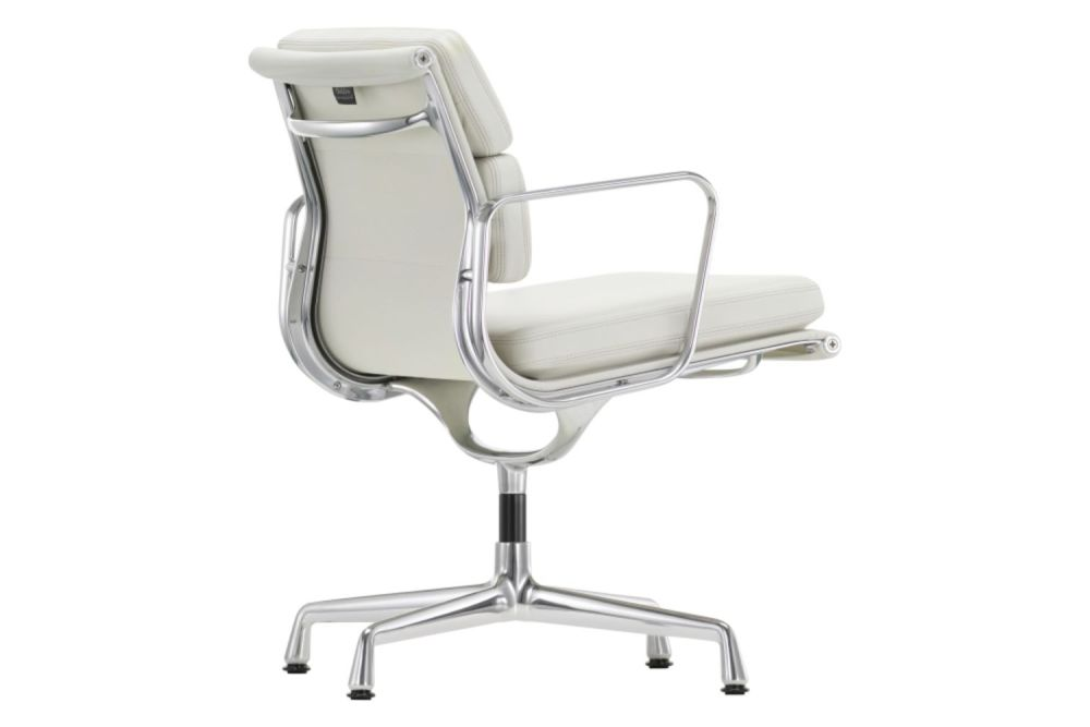 https://res.cloudinary.com/clippings/image/upload/t_big/dpr_auto,f_auto,w_auto/v1565343807/products/ea-208-soft-pad-meeting-chair-swivel-with-armrests-vitra-charles-ray-eames-clippings-11282013.jpg