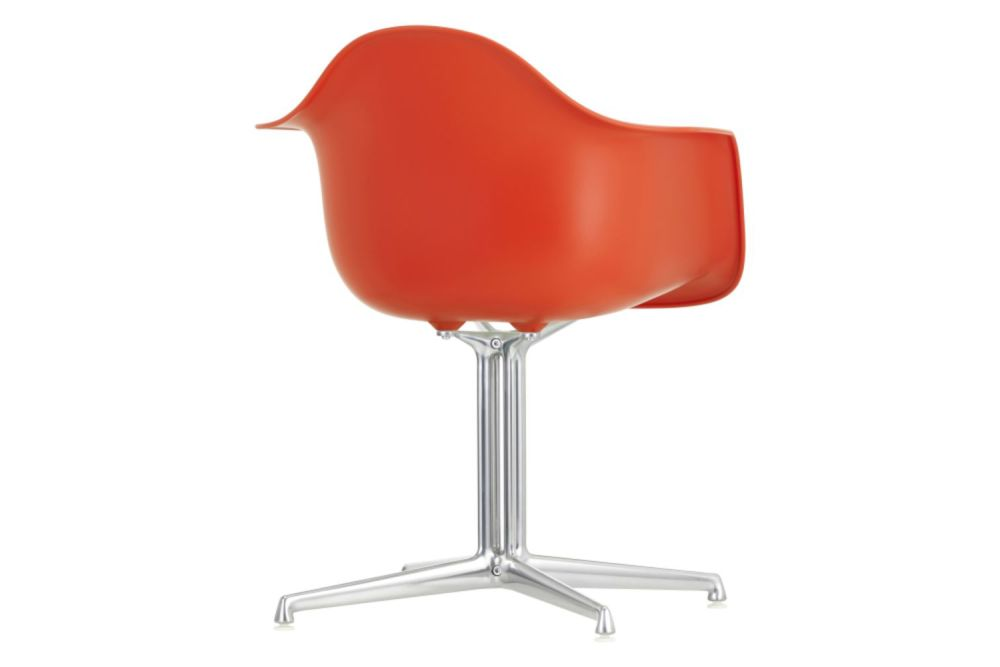https://res.cloudinary.com/clippings/image/upload/t_big/dpr_auto,f_auto,w_auto/v1565351723/products/dal-meeting-armchair-vitra-charles-ray-eames-clippings-11282563.jpg